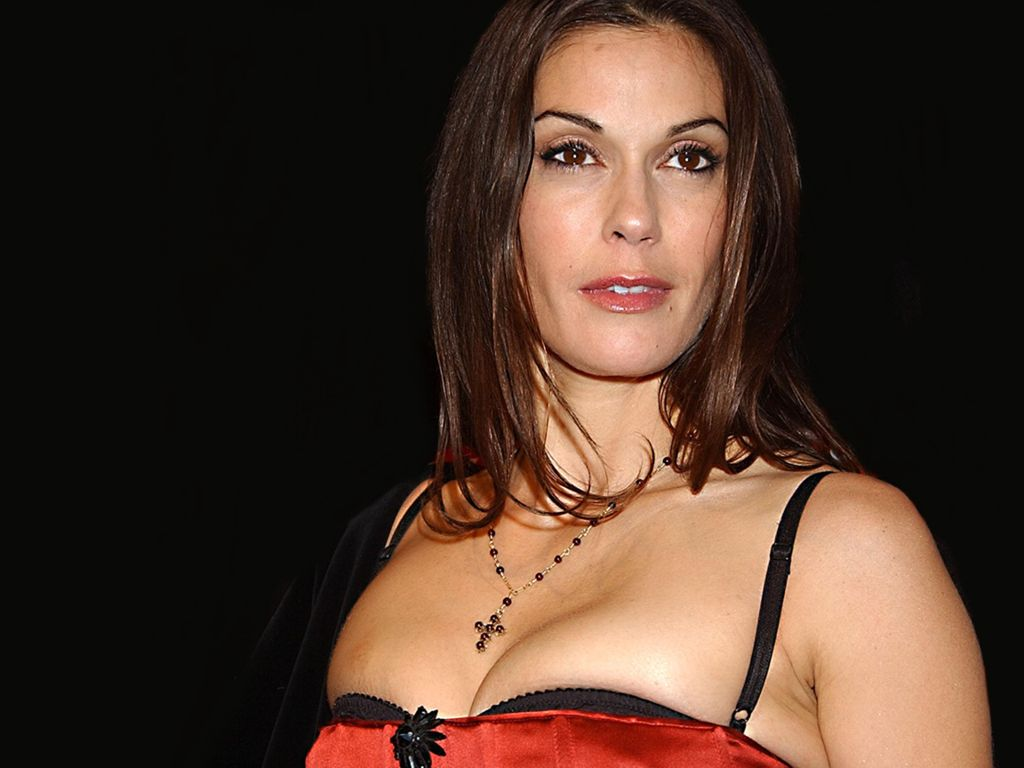 http://www.famous-people-search.com/teri_hatcher/teri_hatcher_wallpaper/teri_hatcher_wallpaper_1024x768_002.jpg